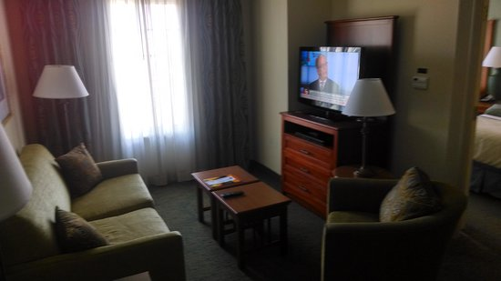 Staybridge Suites Raleigh-Durham Apt-Morrisville: Living Room of One Bedroom Suite