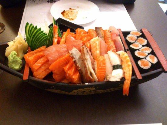 New Koto: Porção de 50 peças variadas e bem preparadas