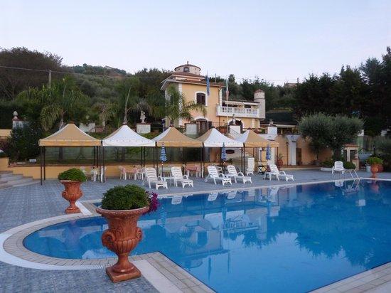 Hotel La Colombaia: La Colombia pool