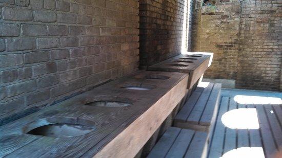 Fort Gaines: 10 Holer Latrine