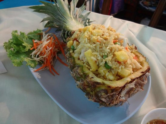 Sakorn No.49 Nook & Bow Seafood: Pineapple fried rice - not bad