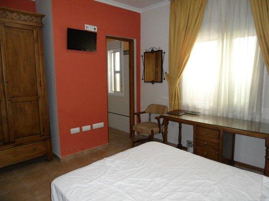 Hostal Costaluz: Our room