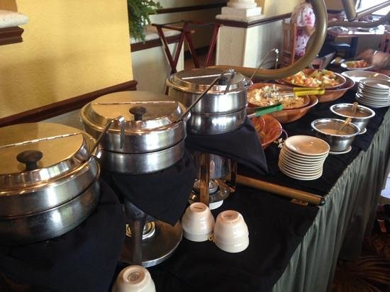 Padrino's Cuban Cuisine: lunch buffet soups and salads