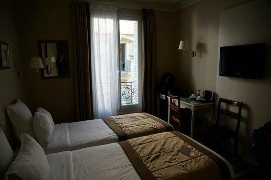 Hôtel Magda Champs Elysées : 2 twin bedroom