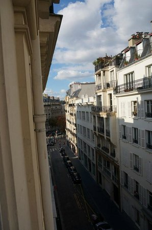 Royal Magda Etoile Hotel: View from 4th floor room