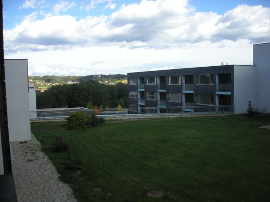 Falkensteiner Thermal & Golf Hotel Bad Waltersdorf: Blick vcm Balkon