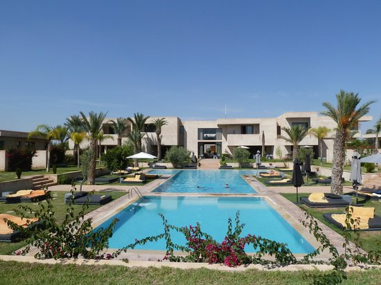 Sirayane Boutique Hotel & Spa: rooms on either side of pool and gardens.
