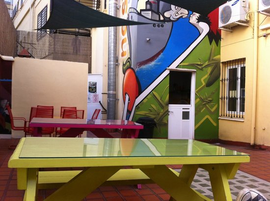Purple Nest Hostel : Terrazza