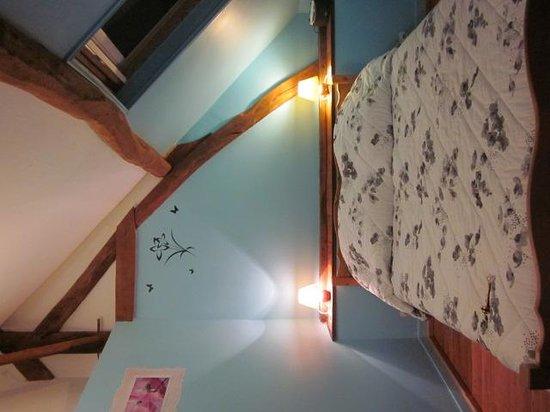 La Ferme du Manoir: Chambre bleue