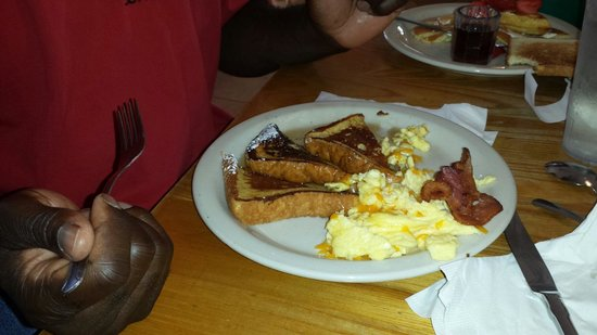 Nene's Kitchen : French Toast and bacon