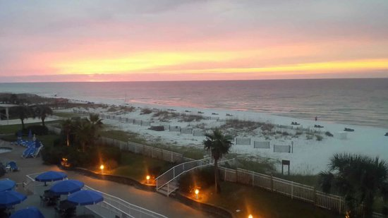 Hampton Inn Pensacola Beach: Third floor balcony room