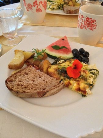 A Stone's Throw Bed and Breakfast: Breakfast