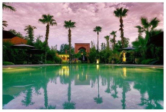 Tigmiza - Suites & Pavillons: Vue sur la piscine