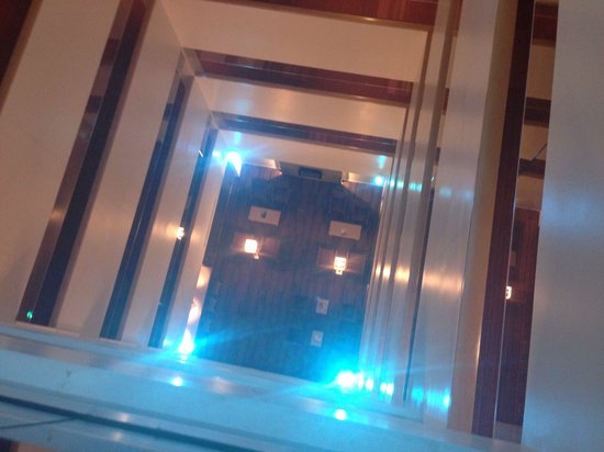The Holman Grand Hotel: Trippy but awesome