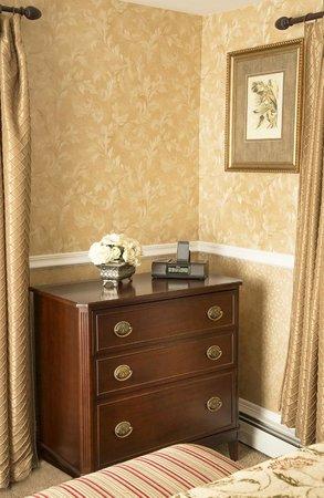 Glynn House Inn: Harding Deluxe Bedroom