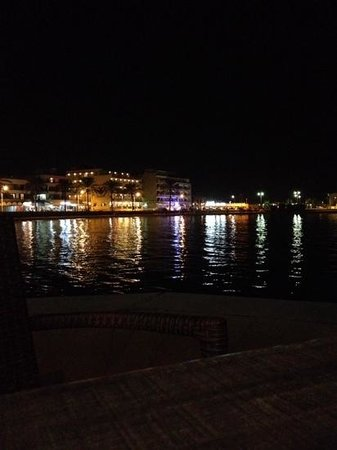 Hotel JS Palma Stay: harbour at night