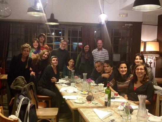 El huerto de Roque: Cena de lujo con el equipo al completo. #MSF #BurgosSinFronteras.