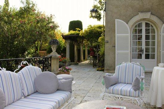 Domaine du Moulin: The Terrace