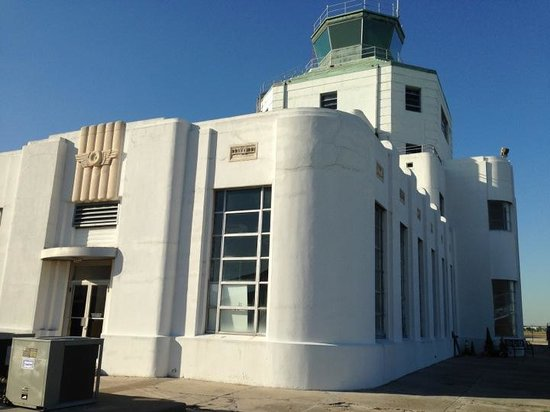 1940 Air Terminal Museum: Beautiful building!