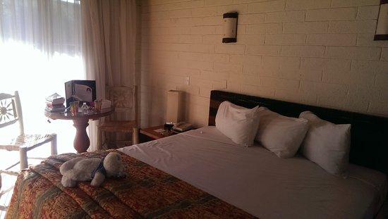 Americas Best Value Inn - Posada El Rey Sol: Room.