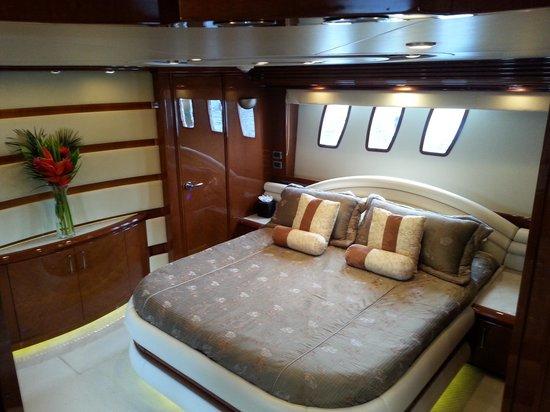 Coastal Yacht Tours: Master state room