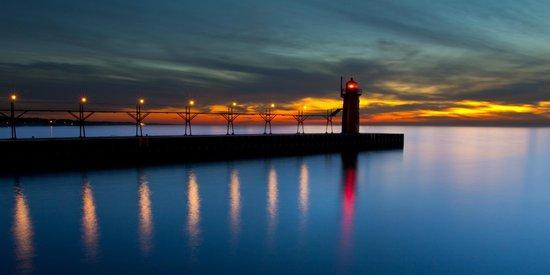 South Haven Yogi Bear's Jellystone Park™ Camp-Resort : Lighthouse on South Beach