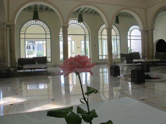 Vincci Flora Park: Lobby