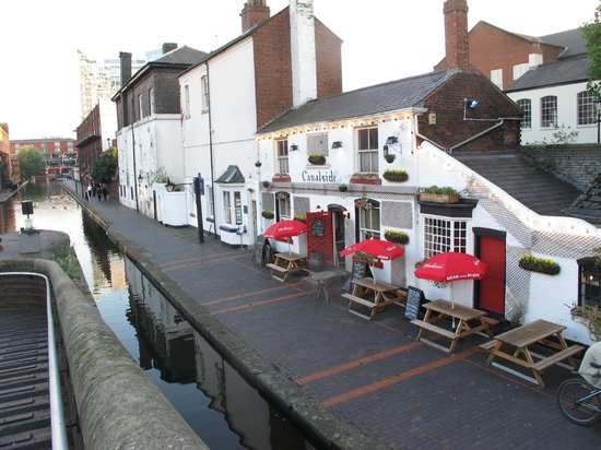 Canalside Cafe: Cafe/Bar on the towpath