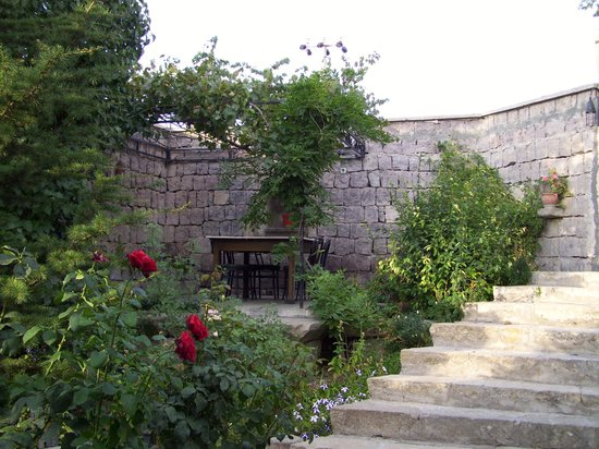 Upper Greek House: The garden