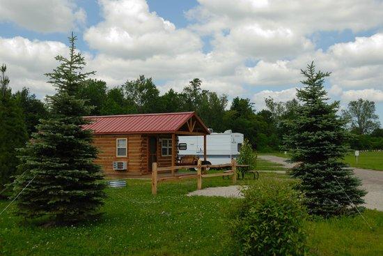 South Haven Yogi Bear's Jellystone Park™ Camp-Resort : Yogi Bear's Cottage