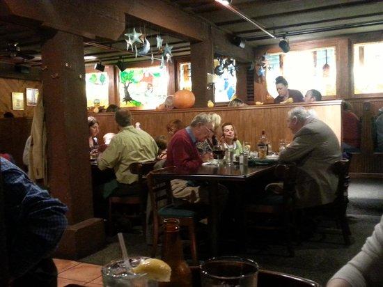 Mill Street Grill : Dining Room