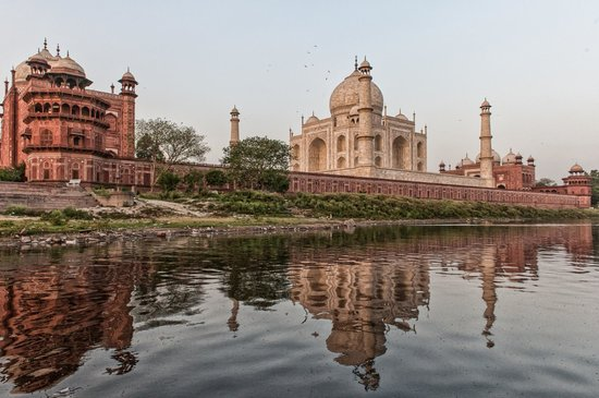 Agra, Indien: Taj Mahal view from the river