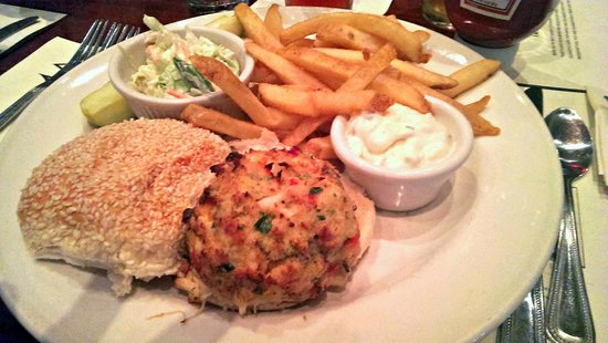Iron Hill Brewery & Restaurant: Crab Cake Sandwich