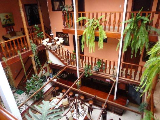 Hotel Coronel \: vista da área interna