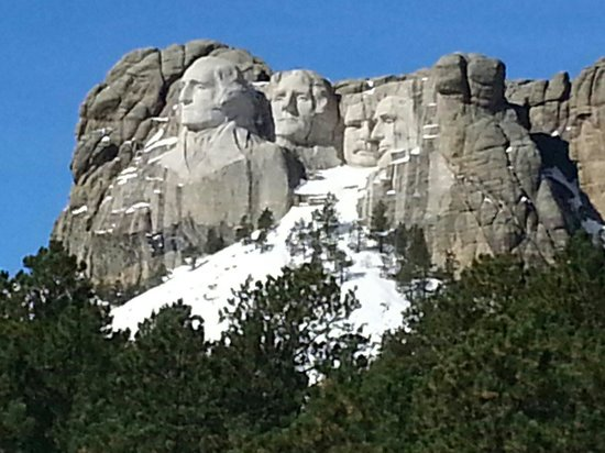 Pine Rest Cabins: Mt. Rushmore just a short drive away