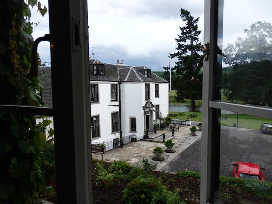 Banchory Lodge: View of front of Lodge from our room