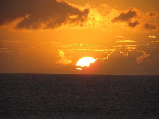 Royal Kahana: Sunset from the balcony