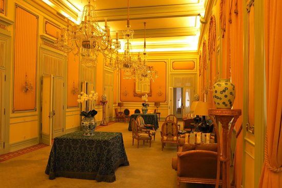 Hotel Avenida Palace: just a hall on the 2nd floor