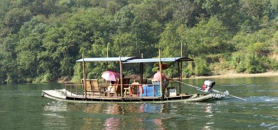 Li River Resort : cruise you can take from xinping near yuanshow