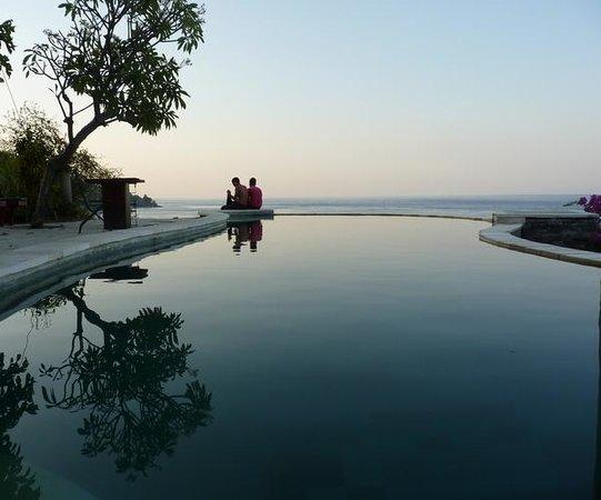 Wawa Wewe I Bungalows: Beautiful pool