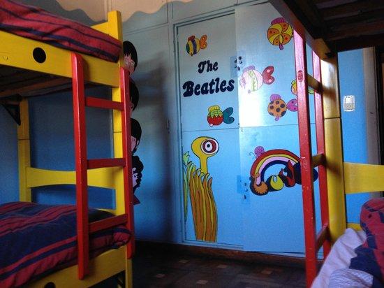 Hostel Achalay : el cuarto! the beatles