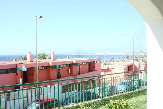 Apartamentos Flamboyan: Vistas a la Playa del Ingles desde la terraza de los apartamentos