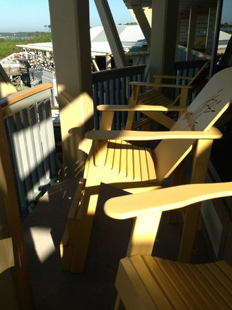 WaterColor Inn and Resort: chairs on deck