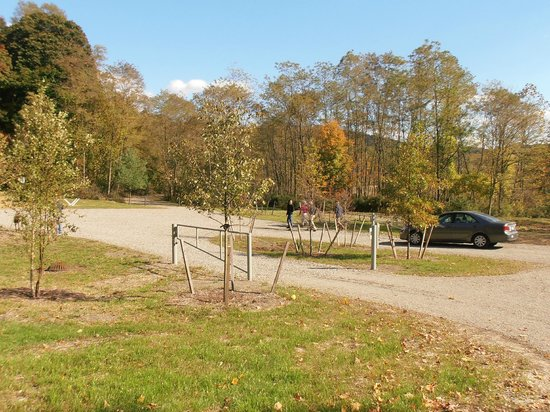 West Point Foundry Preserve: Parking Lot