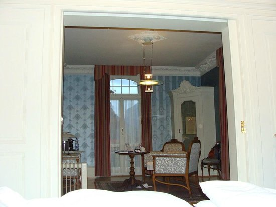 Hotel Royal St. Georges Interlaken - MGallery Collection : Sitting room as seen from bedroom
