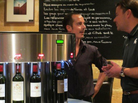 Aux Quatre Coins du Vin: Francois the manager