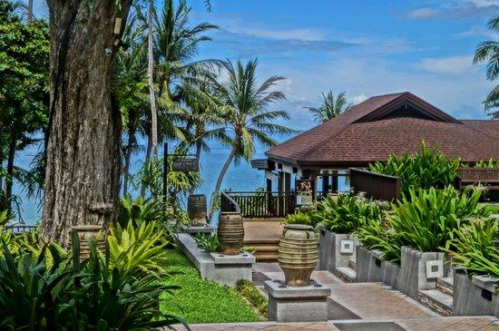 Impiana Resort Chaweng Noi: территория отеля