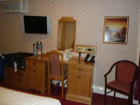 Montana Hotel: Deluxe Twin Room