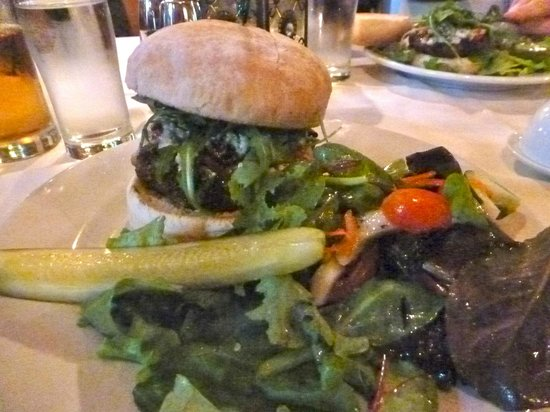 Windsor Station Restaurant & Barroom: The 8-ounce Precision Burger
