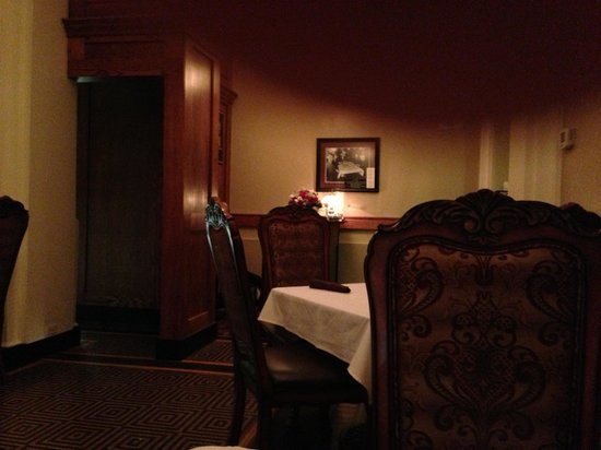 Ivory Grille : Nice dinners but just ok. Comfy room too but only just ok. Food is nicely done service is so so